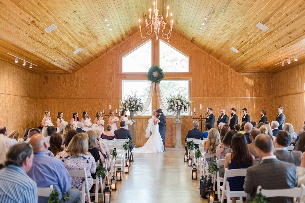 Jackson-Mississippi-Spring-Wedding-The-Ivy_0107.jpg