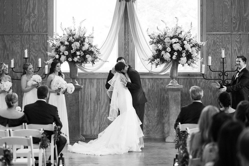 Jackson-Mississippi-Spring-Wedding-The-Ivy_0108.jpg