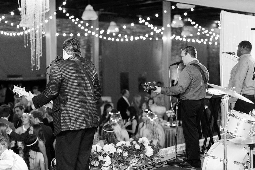 Jackson Mississippi Yacht Club Modern Spring Wedding_0089.jpg