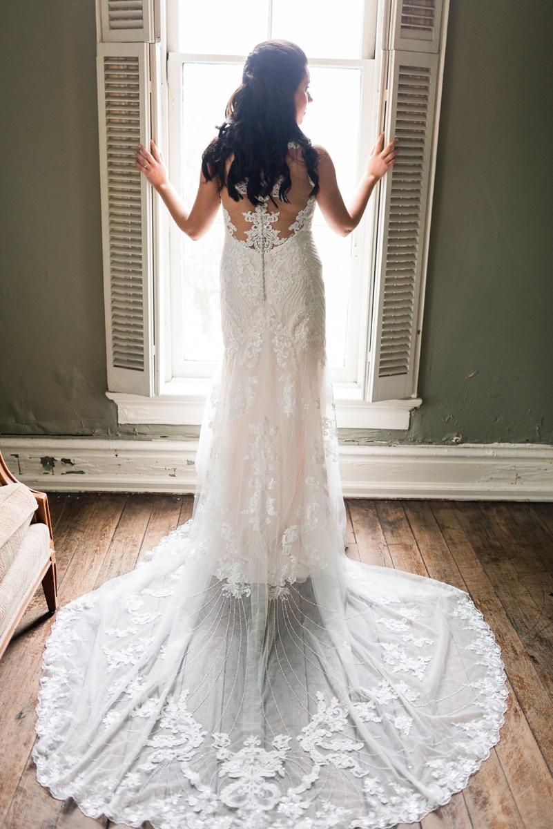 Nashville, Tennessee East Ivy Mansion Elegant Spring Wedding 020.jpg