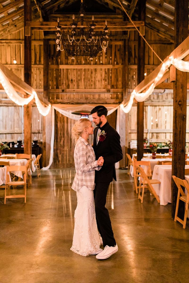 Dickson, Tennessee Cactus Creek Barn Autumn Wedding_0156.jpg