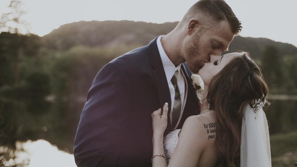 8 Wedding Films Peyton & TJ Cinimatic3.jpg