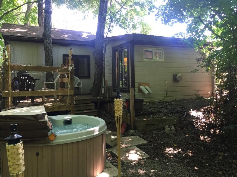 jills-suite-backyard.jpg