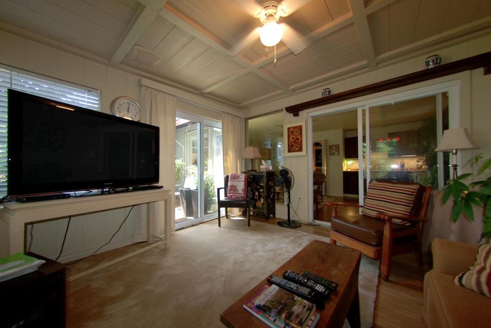 georges-suite-tv-room-two.jpg