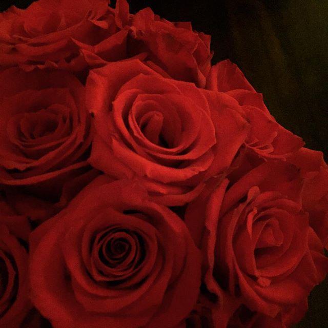 👄#flowers #flowerpower #flowersofinstagram #floweroftheday #blonde #theblondebuds