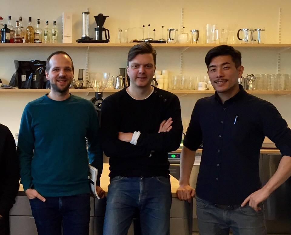 Tim Wendelboe(中央)とNordic ApproachのJoakim(左