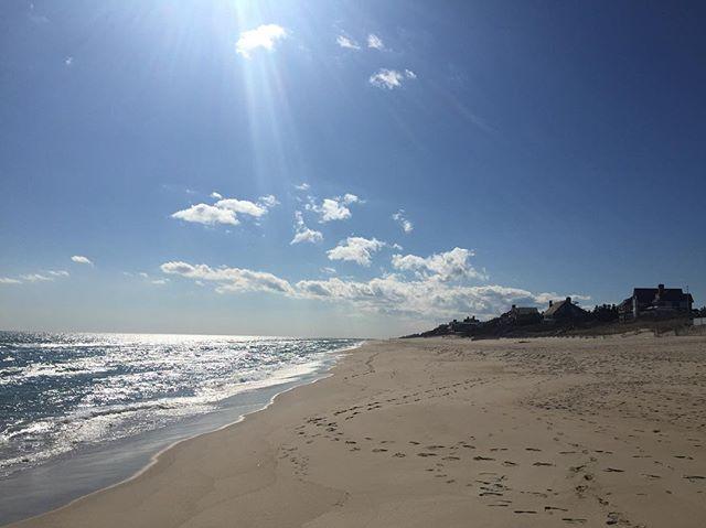 #nofilter #easthampton • • • • • #easthampton #thehamptons #beach #hamptons #beachlife #hamptonslife #oceanfront #waterfront #☀️ #🌊