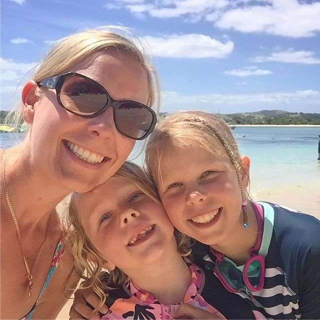 Bye Bye Fiji 🇫🇯! Thanks for a lovely family holiday ☀️💕🏝🌸 #venaka #bula #fiji #fijitime #travellingpotterfamily #bucketlistfamily #2018goalcomplete #wearefamilytravellers #adventure #explore #travelwithkids #palmtreesandsunshine #relaxedandhappy #seetheworld @fijiforfamilies #familytime