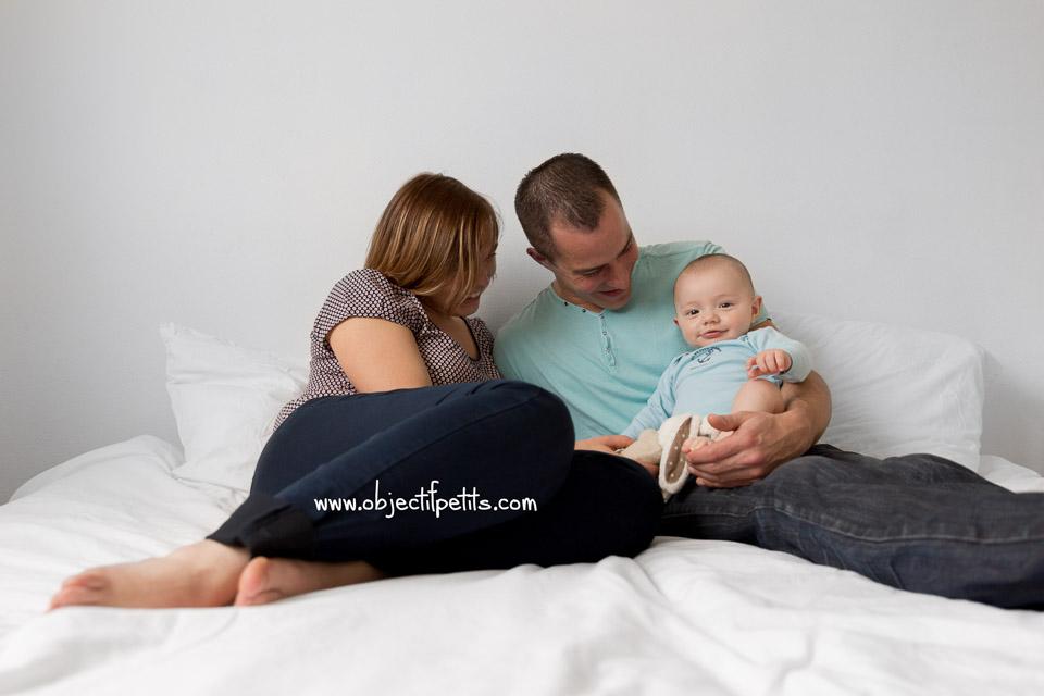 Séance photo de bébé 5 mois au naturel Brest, Objectif Petits