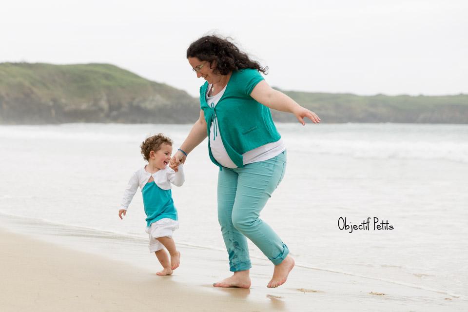 Séance photo à la plage, Objectif Petits, Photographe de bébés, enfants et familles à Brest (Bretagne)