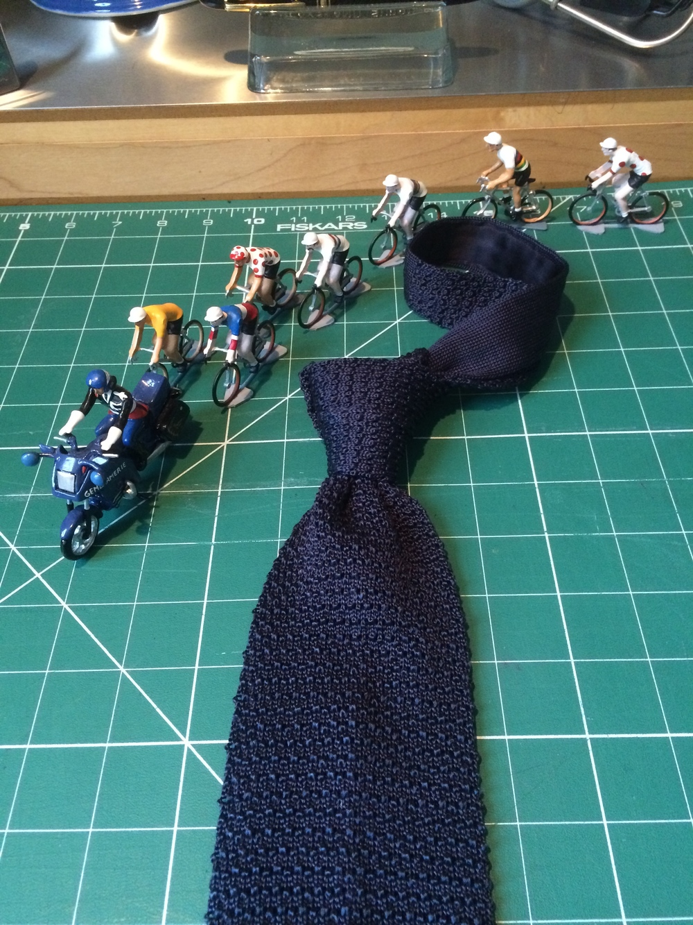 T&A midnight blue knitted silk tie
