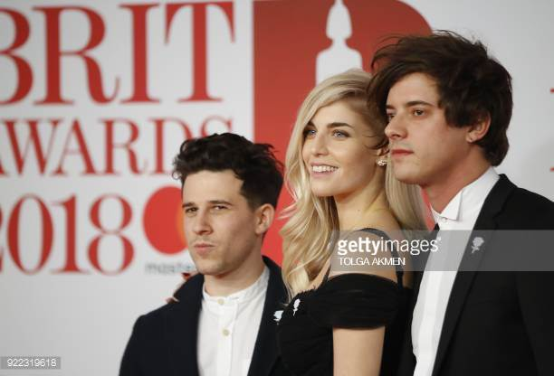 - It was such a pleasure to work with my music crush Hannah @LondonGrammar @sonymusicuk for the @Brits red carpet - clean beauty style! ⚡️For info on which natural, organic and vegan beauty I used visit VANZEE Beauty.