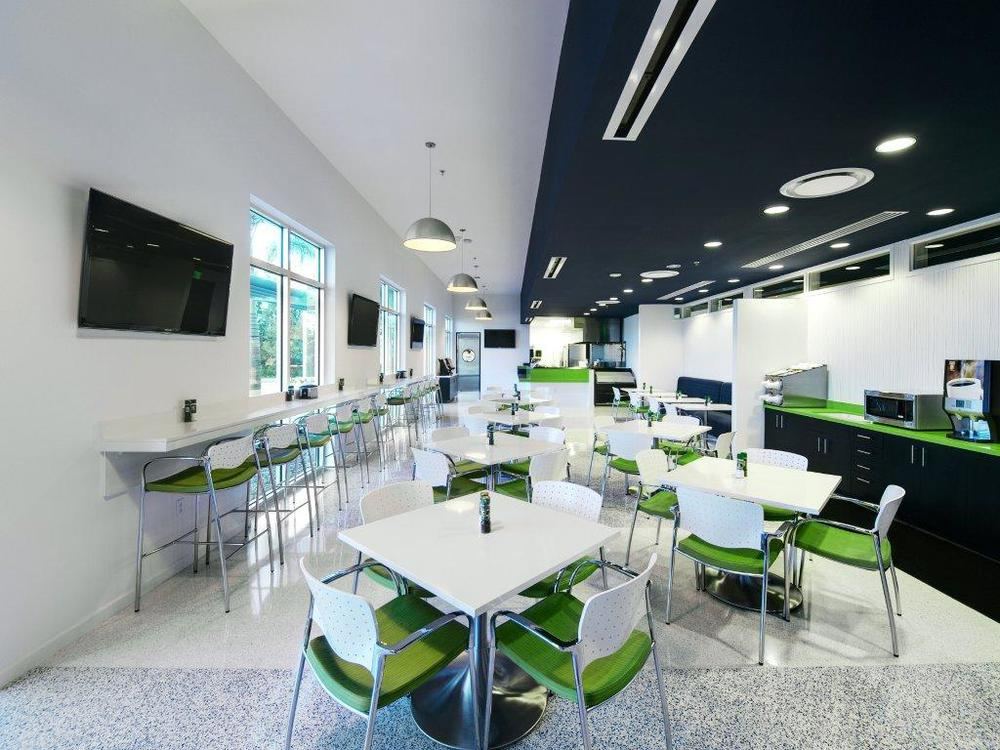 cafeteria01.jpg