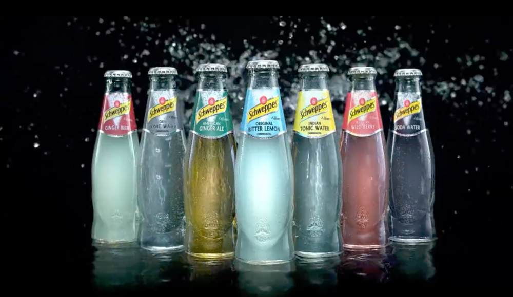 Schweppes - IN HAMBURG WE MADE THIS MOUTH WATERING TAG ON. KANU FILMS WAS THE PRODUCTION COMPANY. EFFECTIV TEAM WAS RESPONSIBLE FOR THE WATER DAMAGE.GERMAN MARKET.