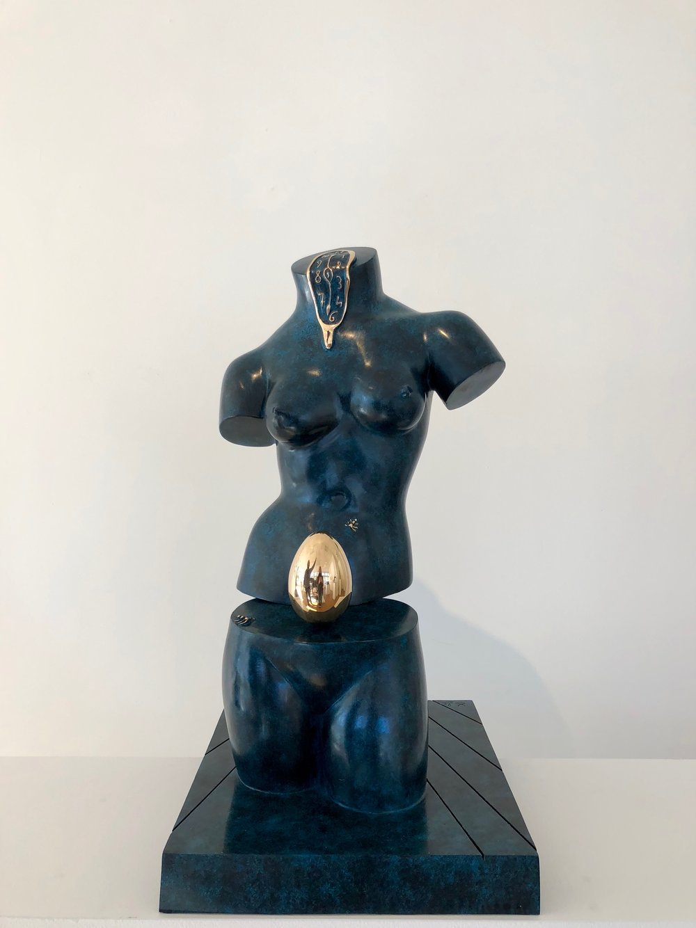 Space Venus , 1977-1984 Bronze 25 75/127h x 14 22/127w x 12 76/127d inches