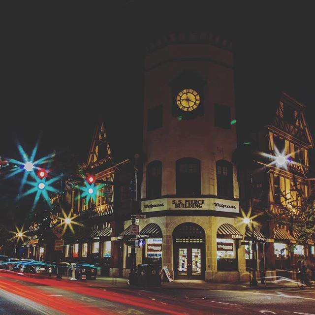 First light 2015 @firstlightbrookline #firstlightbrookline #brookline #coolidgecorner #lights #kickoff #holidayseason  #planningfor2016 @eurekapuzzles @brooklineartscenter @fireopalboston @chobeehoyre #wildgoosechase @capitalone360