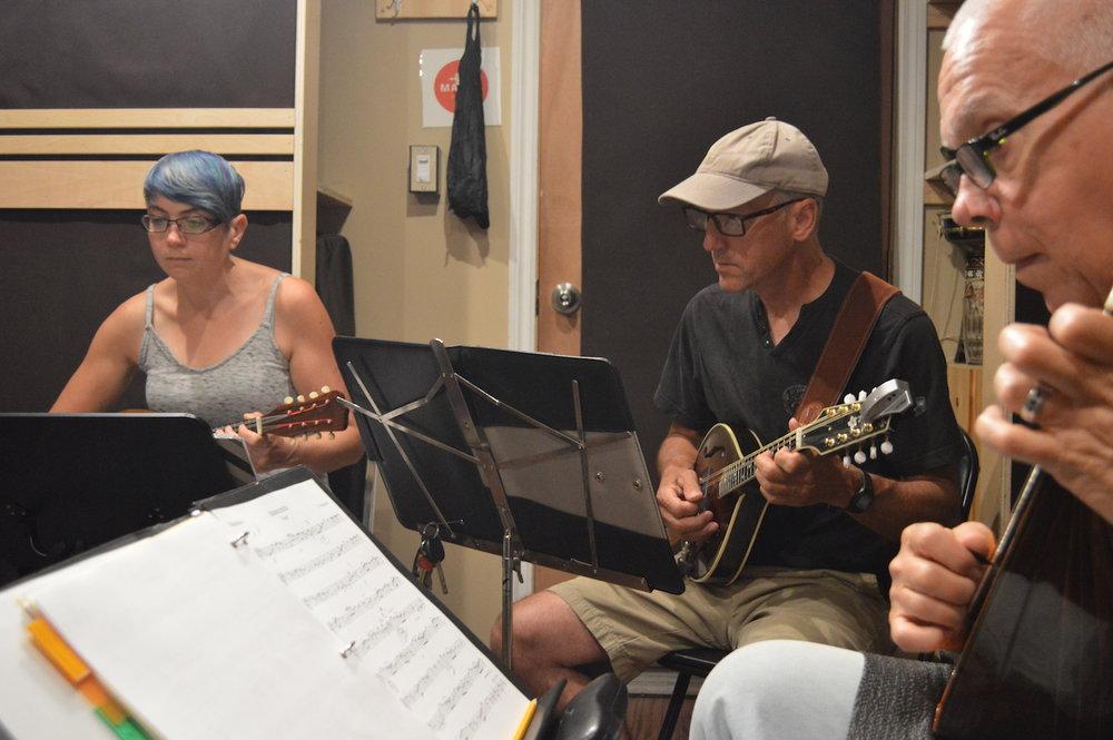 mandolin-lessons-montreal.jpeg