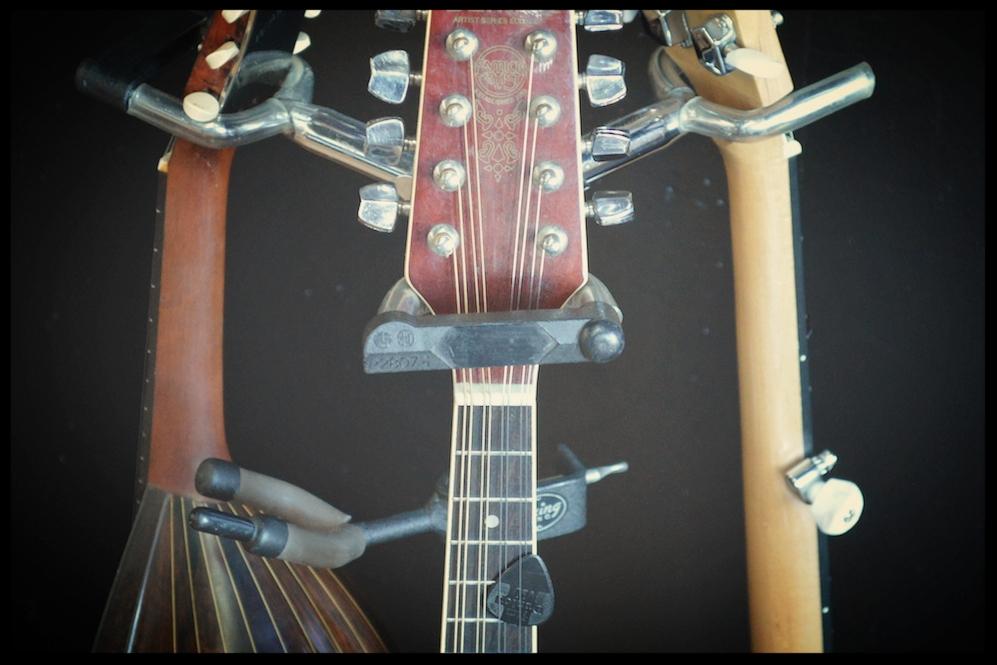 mandoline-guitar-banjo