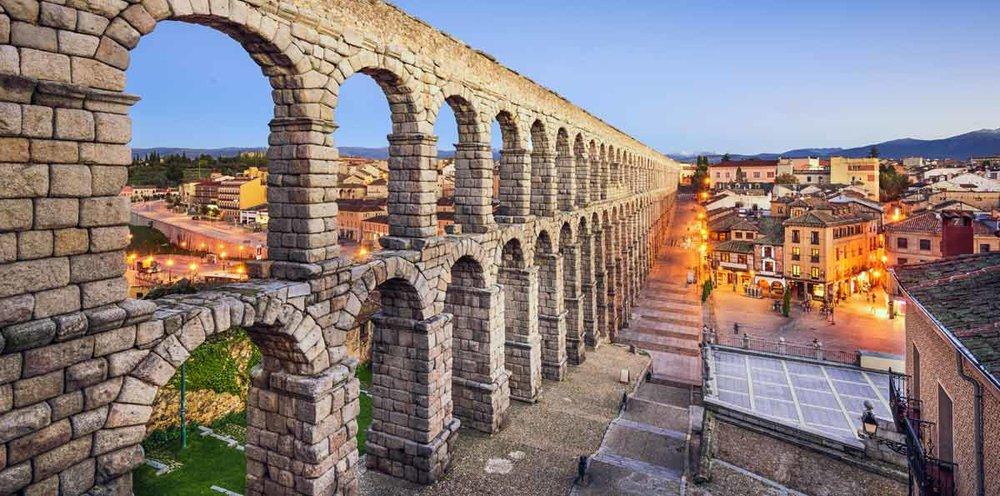 best way to learn spanish segovia aquaduct.jpg