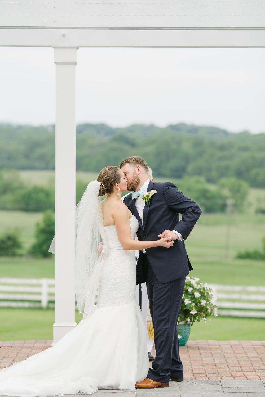 CT Wedding Photographer | Lauryn Alisa Photography | www.laurynalisaphotography.com