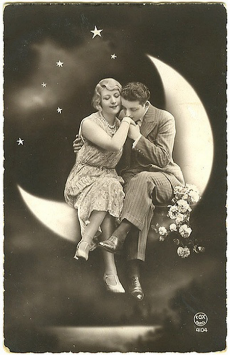 Vintage Couple on the Moon, from www.freevintagedigistamps.com