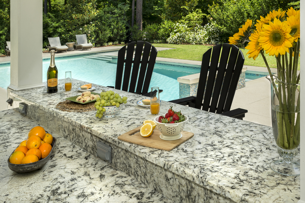 Magazine Ad Featuring Outdoor Living for Countertop Company, Seven Stone