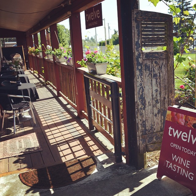 Our patio in downtown Carlton is open and ready for wine tasters! We are right next to upper city park :) #oregonwine #carltonoregon #twelvewine #winetasting #oregonpinot #winelife