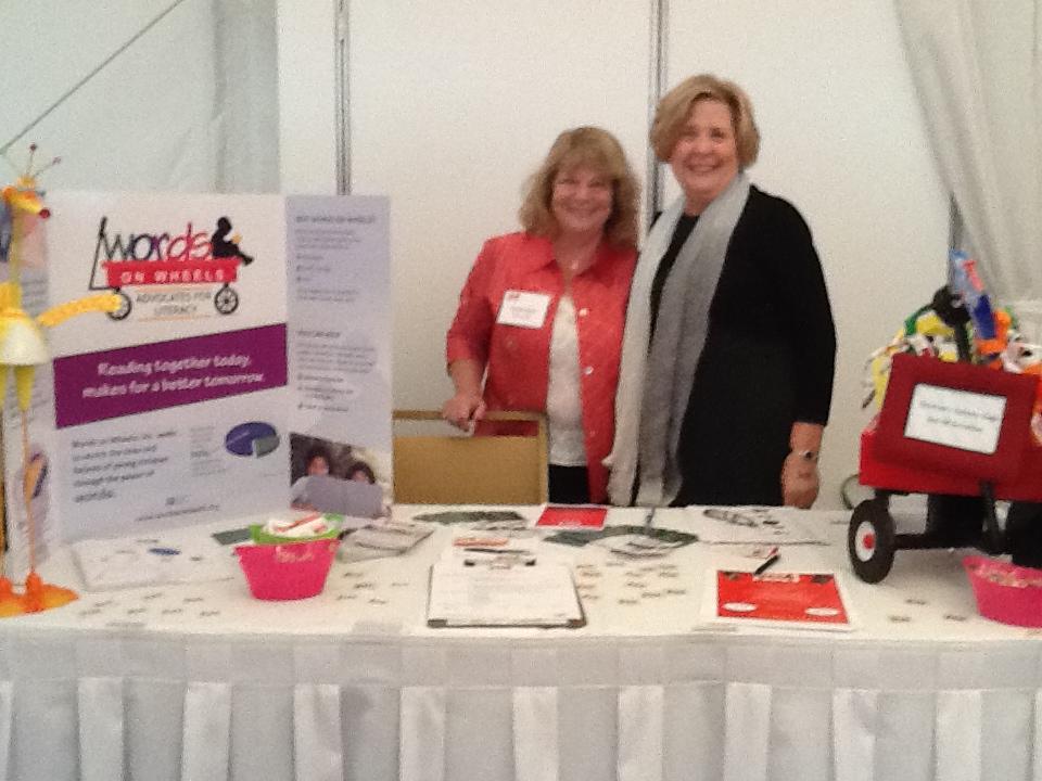 WOW Booth Vista Healthy Woman Expo 10-3-13 (2).jpg