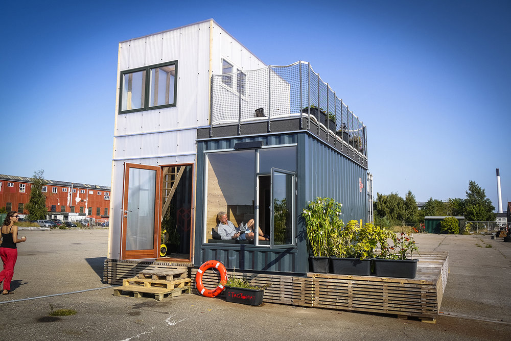 shipping-container-homes-13.jpg