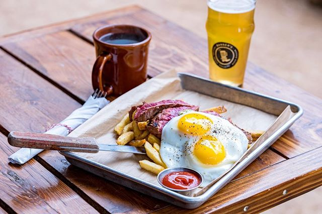Big Band Brunch at Banger's is an egg-cellent way to start your #SundayFunday! Good music, good food and good vibes all around. We'll see ya soon folks!. . . . . #eggs #beer #brunch #coffee #manmosa #austintexas #goodvibes #mimosa #foodstagram #eateratx #beerstagram