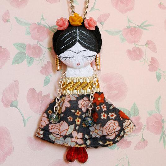 Fifi doll Frida Kahlo. Brooch & necklace by LosMundosdeFifi on Etsy