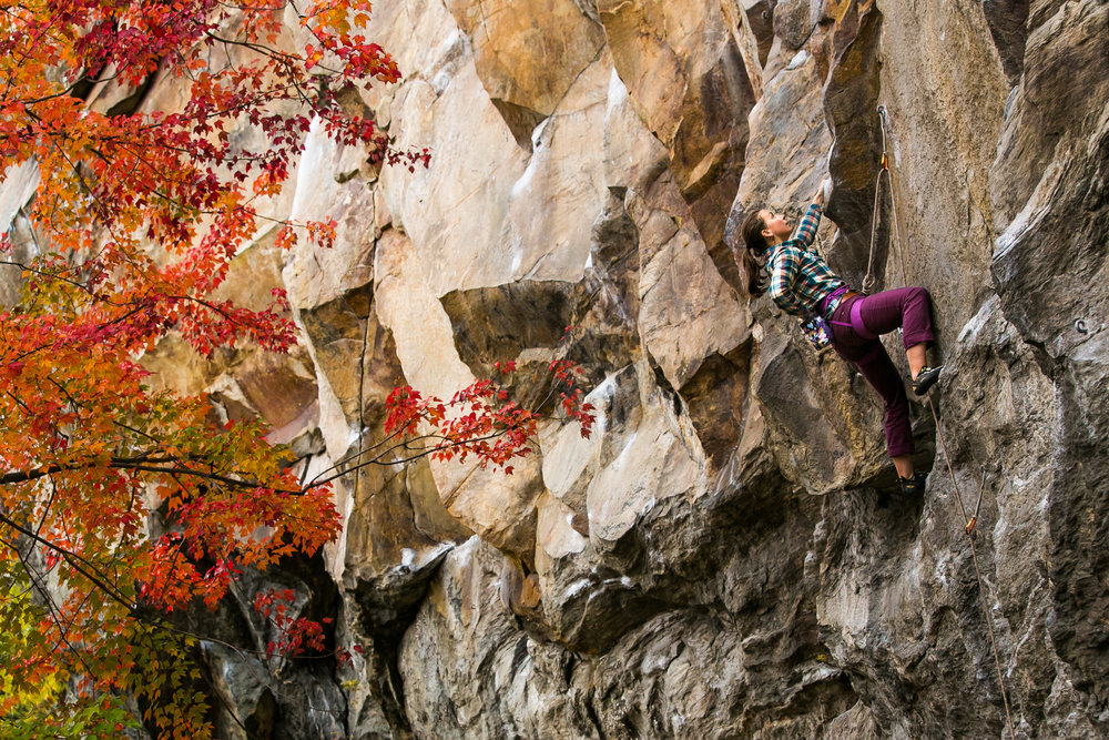 Naomi Risch warms up on Underdog at Main Cliff, Rumney, NH. Photo: AAC member Anne Skidmore Photography