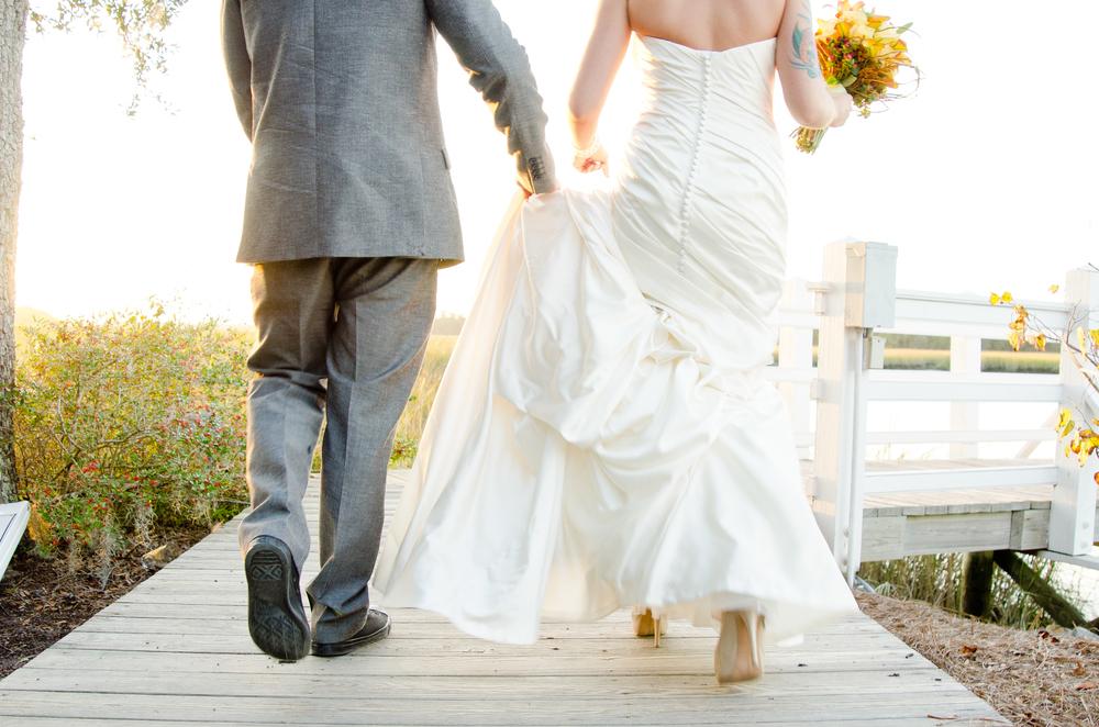 charleston wedding photography photographer venue creek club at ion bride and groom.jpg
