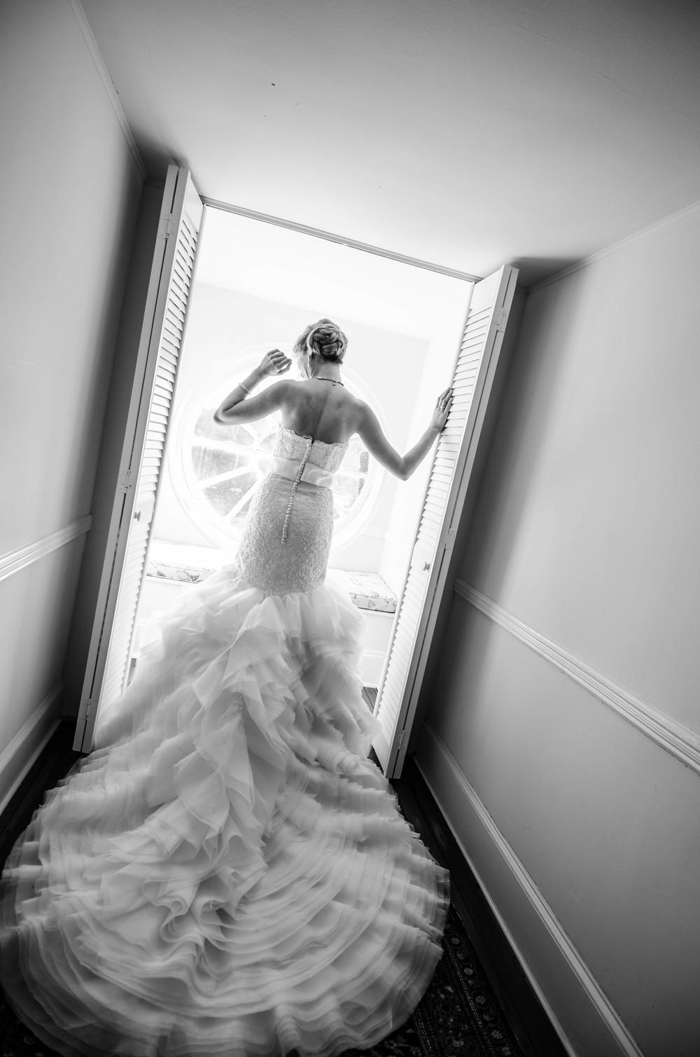 charleston wedding photography photographer venue lowndes grove plantaion bride window door back.jpg