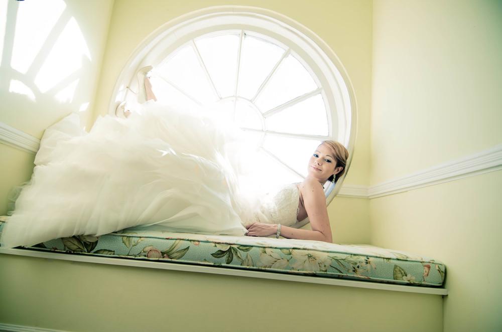 charleston wedding photography photographer  lowndes grove plantaion bride window .jpg