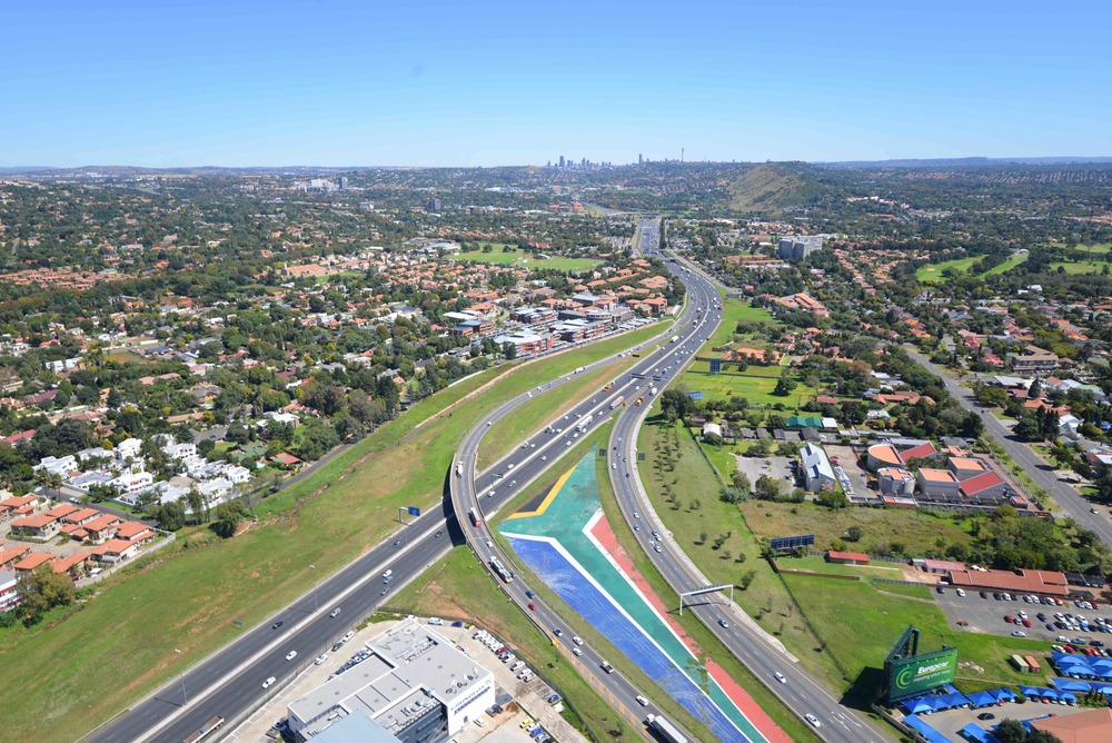 Motorway approaching the O.R Tambo Airport is also an important logistical corridor to industrial areas. Source: City of Ekurhuleni (provided)