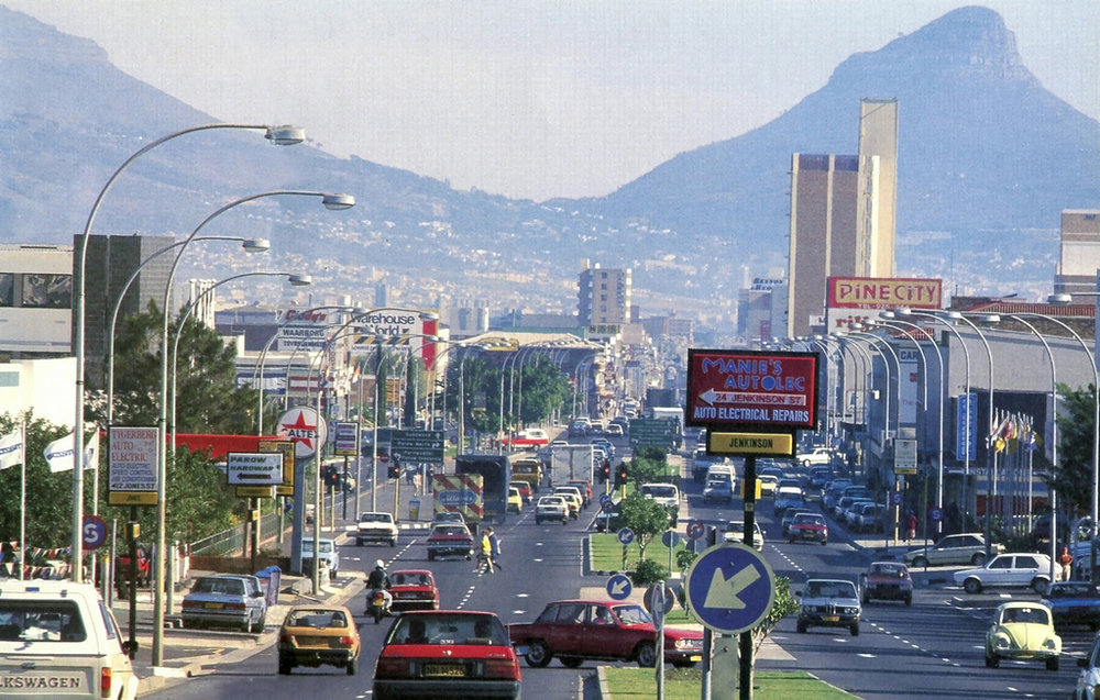 Voortrekker Road in c. 1985. Source:  HiltonT on Flickr