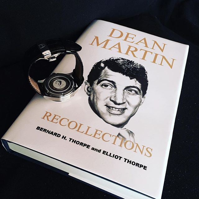 If you love #DeanMartin then you cannot miss the latest #book by Bernard H. and Elliot Thorpe! 🤵🏼🎙 . PS: even Todd & Marlon are mentioned in the book! @thedeanmartinassociation #KingOfCool #TMxDeanMartin