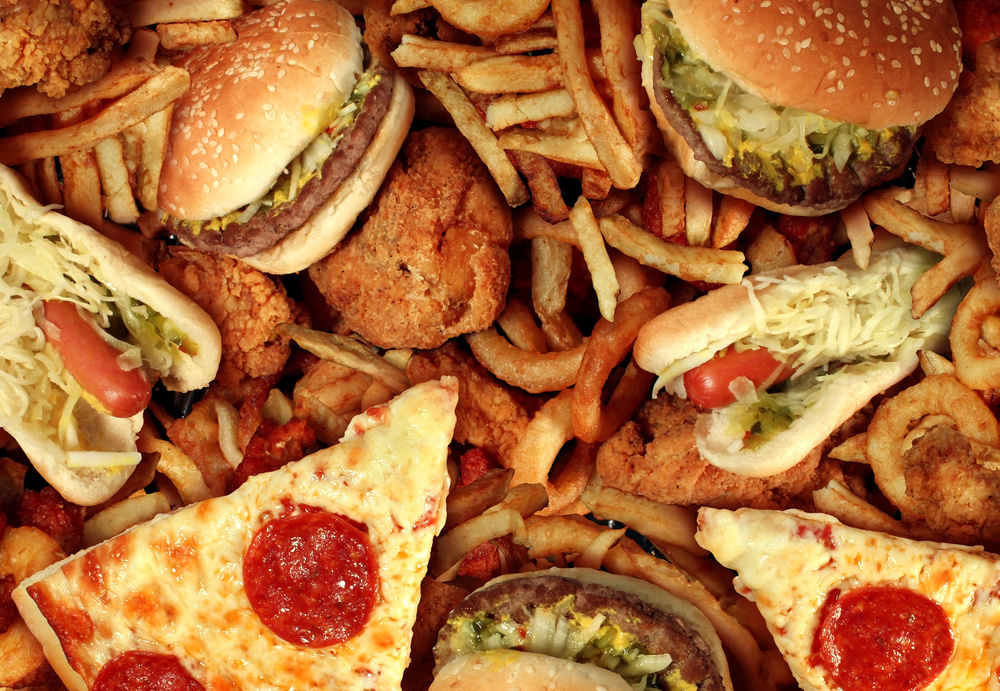 Pizza, burgers and fries. Fast, processed food impairs mitochondria health.