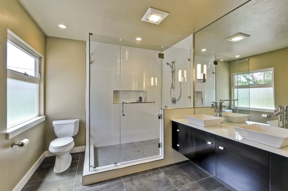 Master Bathroom         1 (3).JPG