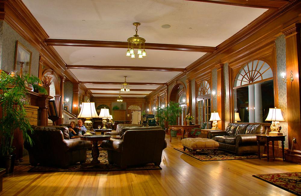 Stanley Hotel lobby.jpg