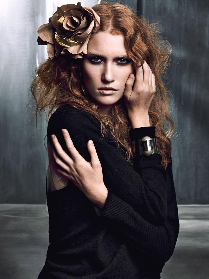 02-Benjamin-Edward-Gold-Slate-Adamo-de-Pax-Kirsten-Reader-Robert-Weir-Emily-Fox-Chanel.jpg