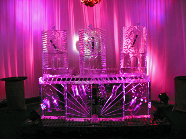 Custom Ice Bar 9-09.JPG