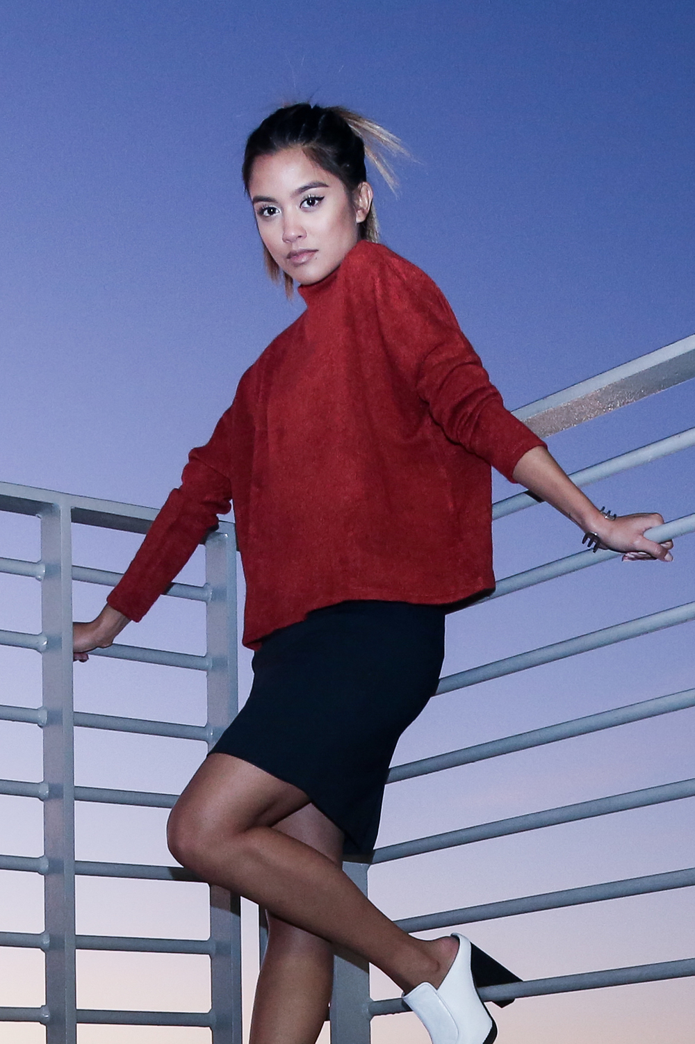 h&m   sweater   | h&m skirt (  similar  ) | topshop shoes (  similar  ) | pared eyewear   frames   | photos by    jon macarewa