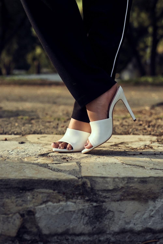 isabella oliver pants  |  storq tank  |  revolve blazer  | aldo heels | gucci bag |  vye shades  |  photos by sean martin