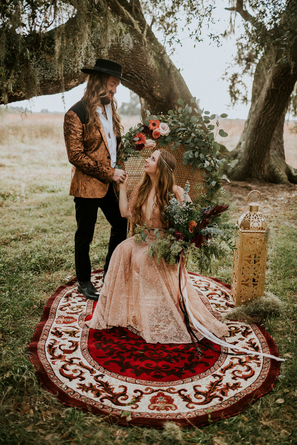 rock and roll themed elopement bride and groom