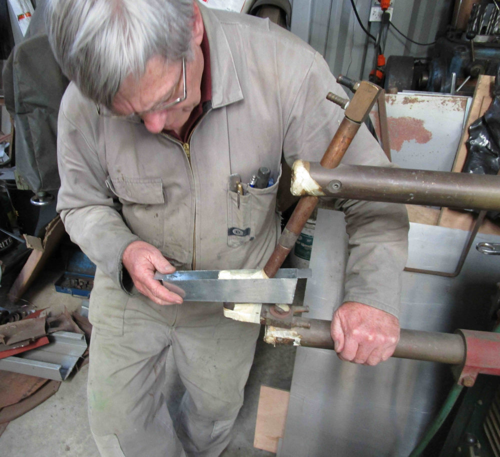 Spot welding internal tab, Rod Brayshaw Katikati