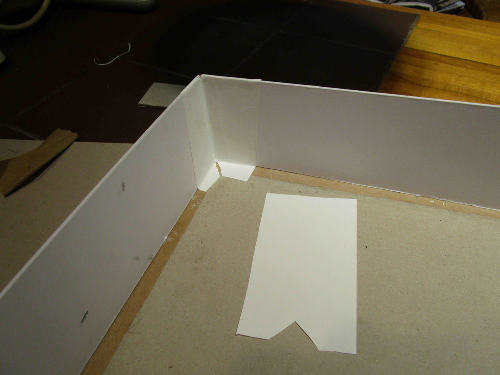 Corner lining first, paper is gloss 200g photocopy paper