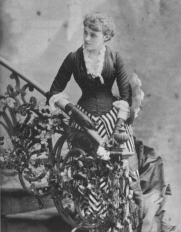 The elegant and beautiful Edith Wharton herself!