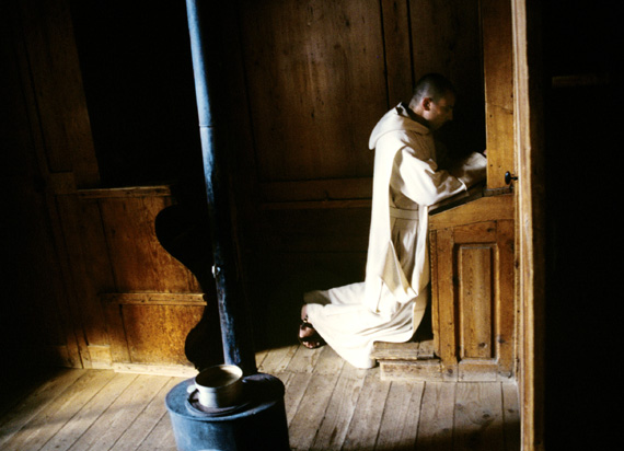 monk-praying.jpg